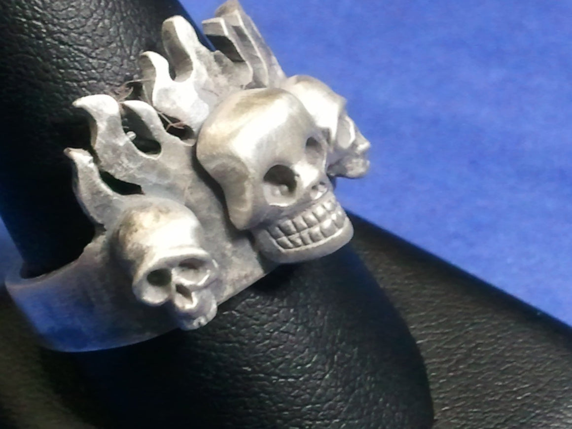 """Flaming Skull Trinity Ring"" -UDINC0068"