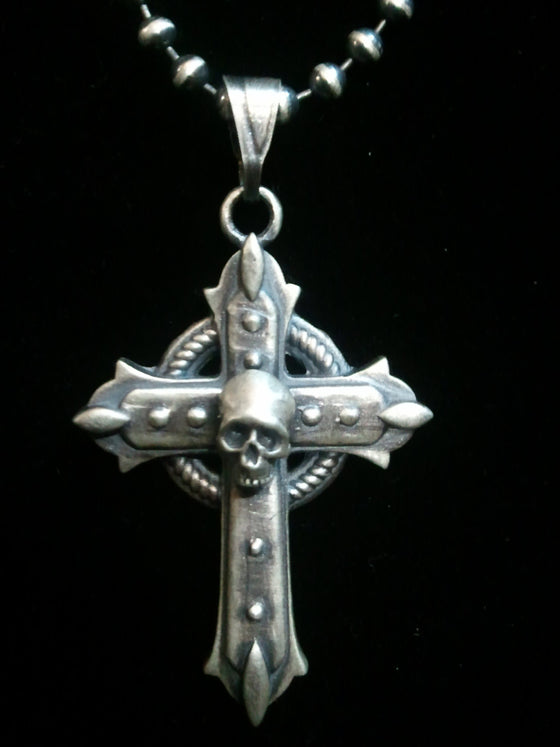 """Gothic Cross with Skull ""-UDINC0103"