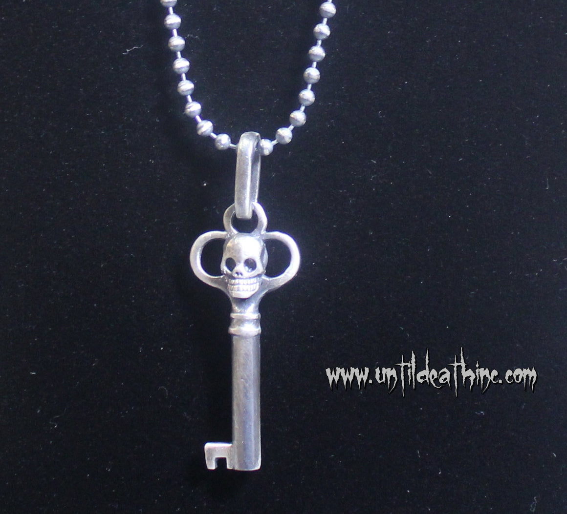 """Antique Key with Skull "" in STERLING SILVER- UDINC0144"