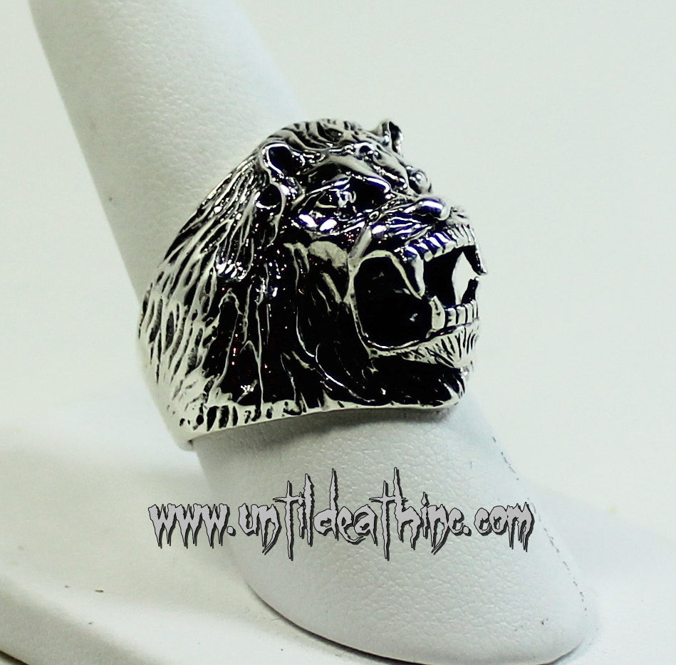 Killer Fanged Lion in STERLING SILVER-UDINC0036