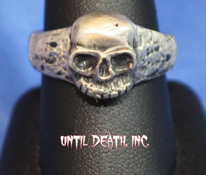 Momento Mori Medium Size Crusty Skull Pirate Ring. 925 Sterling Silver Ring-UDINC0014