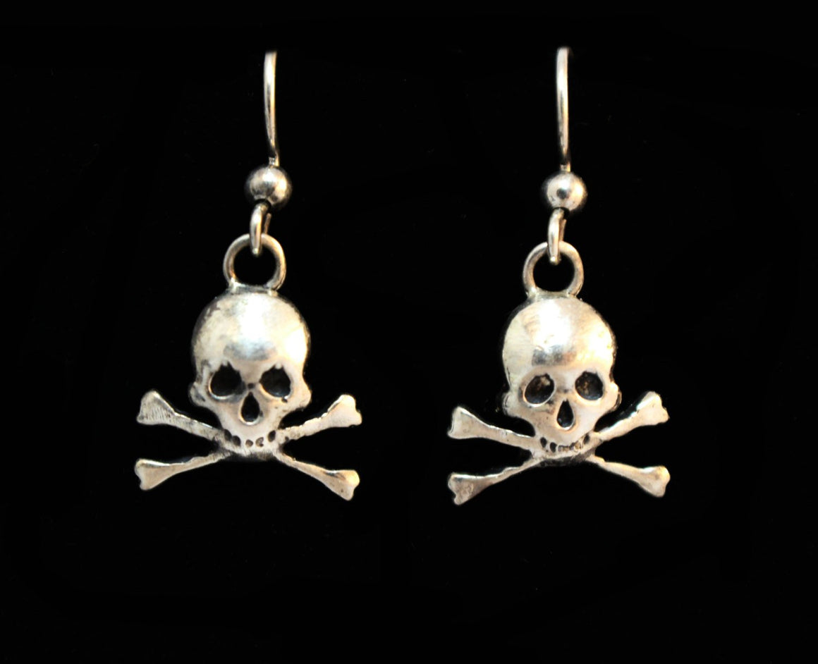 """Petite Skull With Crossbones."" in STERLING SILVER-UDINC0124"