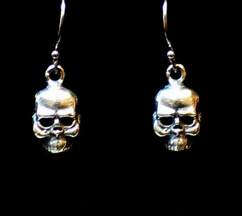 """Petite Knotty Skull"" in STERLING SILVER- UDINC0126"
