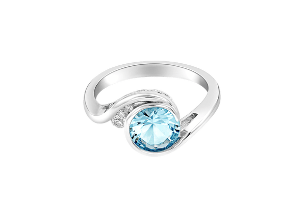 Silver Ring with Aquamarine Center Stone