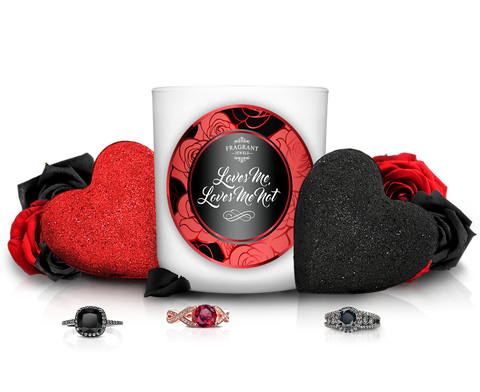Loves Me, Loves Me Not - Candle & 2 Bath Bomb Gift Set