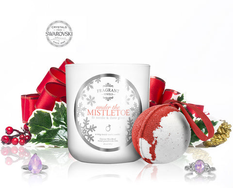 Under the Mistletoe - Candle & Bath Bomb Gift Set