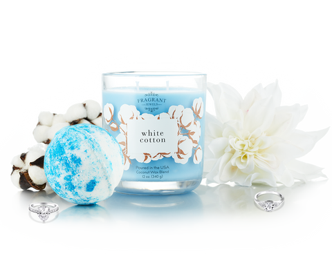 White Cotton - Candle and Bath Bomb Gift Set