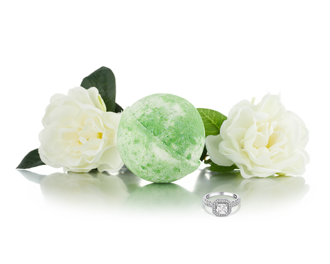White Gardenia - Jewel Bath Bomb