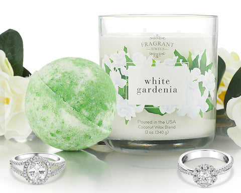 White Gardenia - Candle and Bath Bomb Gift Set