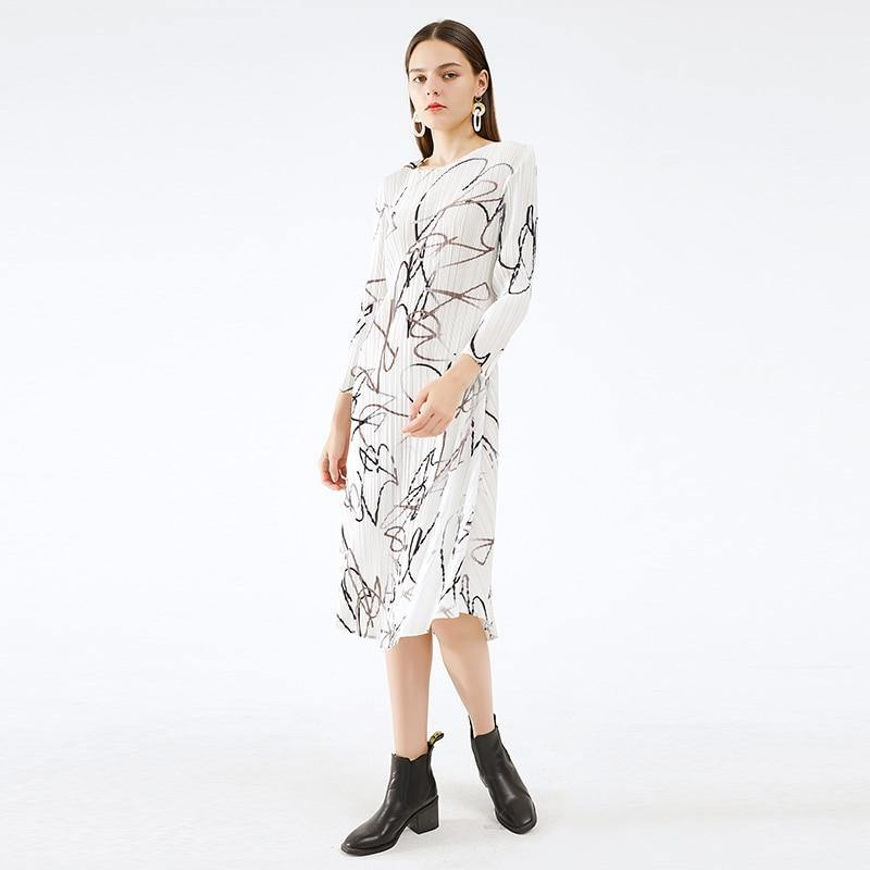 pleated abstract dress winter 2020 fall clothing fashion women autumn Korean fashion slip plus size Long sleeve dress (White One Size) | akolzol