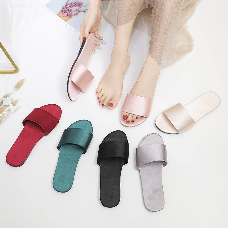 Women Fashion Slides Big Size Indoor Outdoor Slippers Summer Flat Shoes Woman Sandals Anti Slip Ladies Home Slippers | akolzol