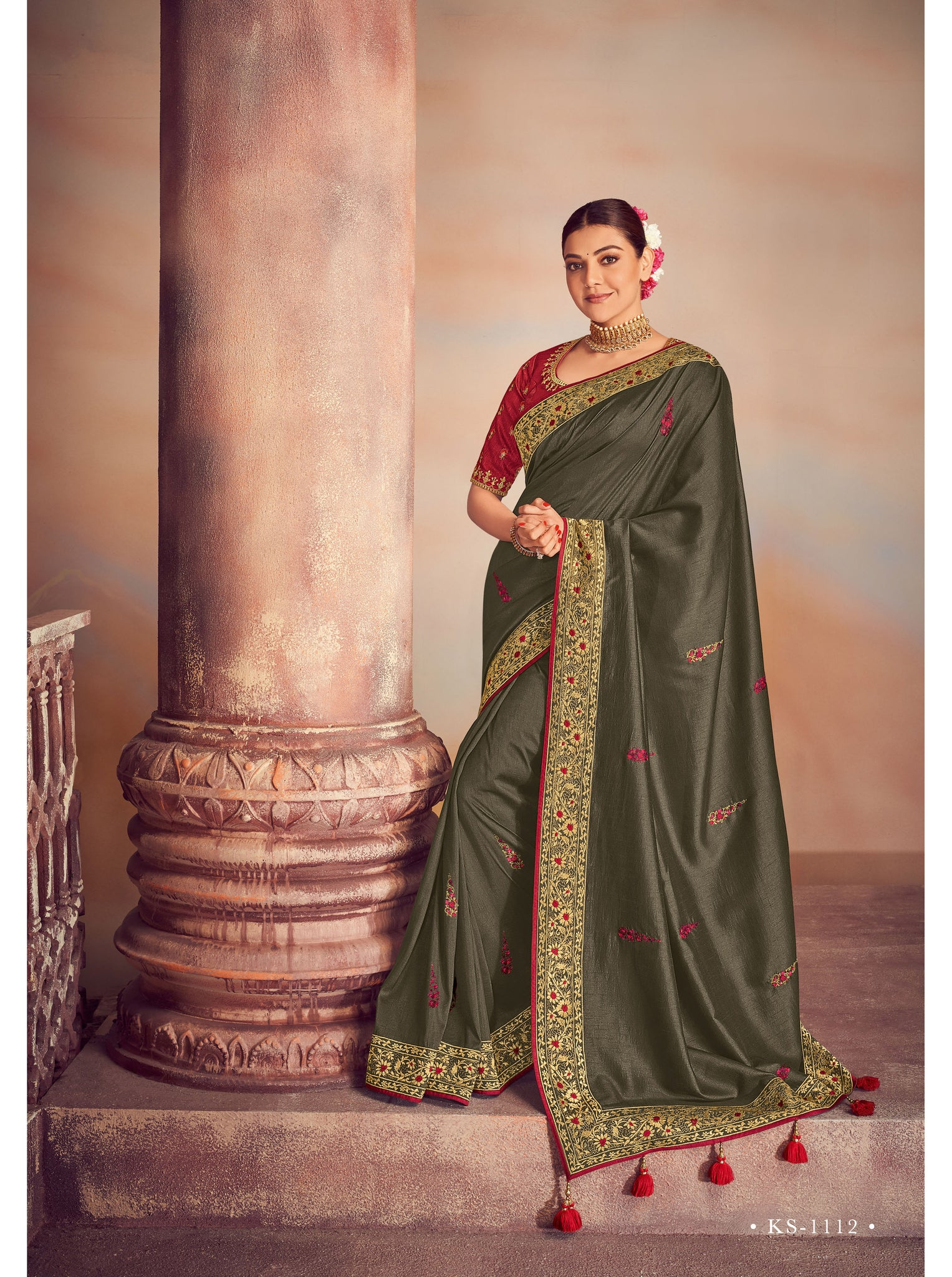 Designer Saree :- Samosatin Silk With Embroidery Border
