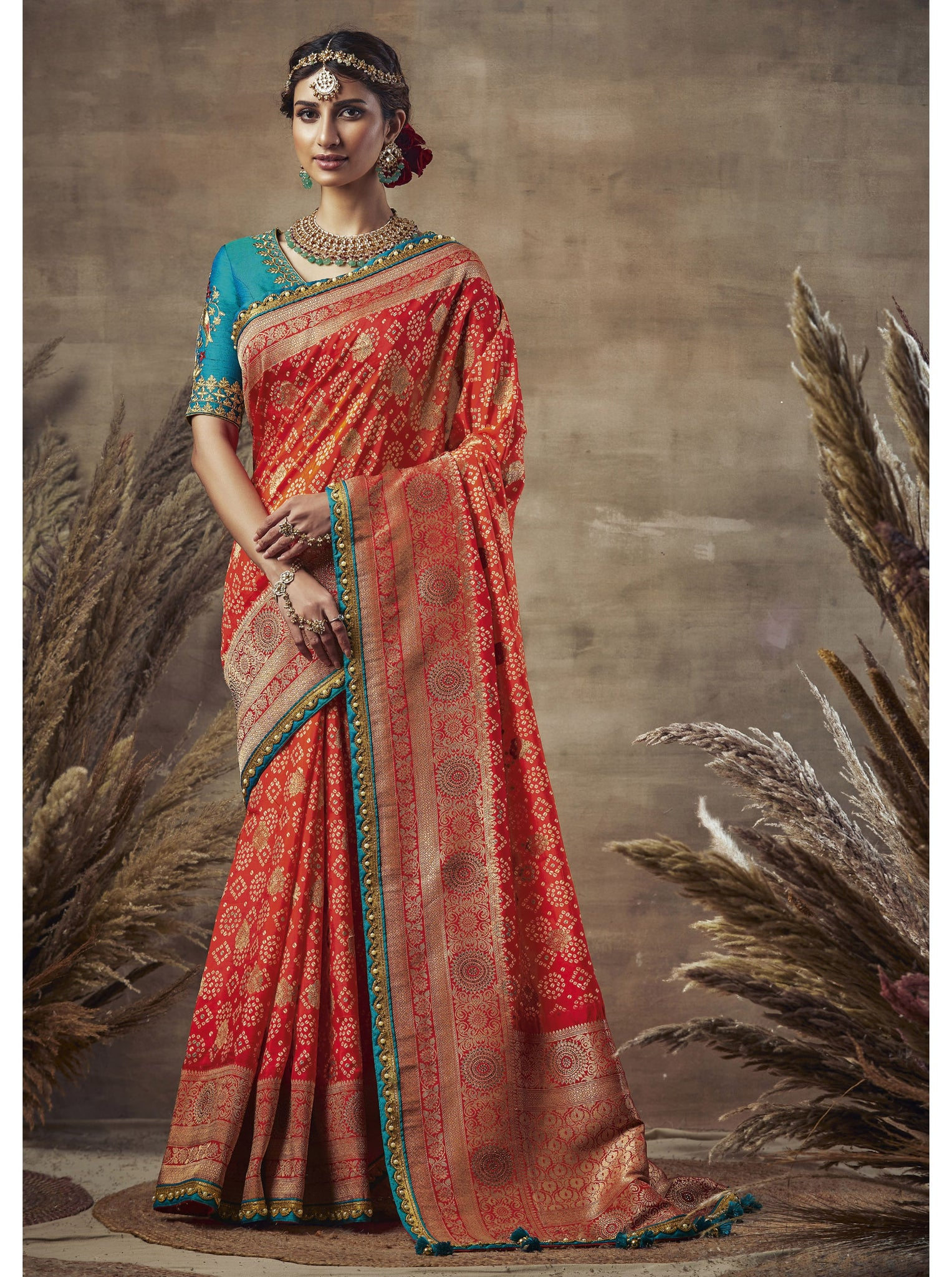 Weaving Bandhni Saree in Dola Silk