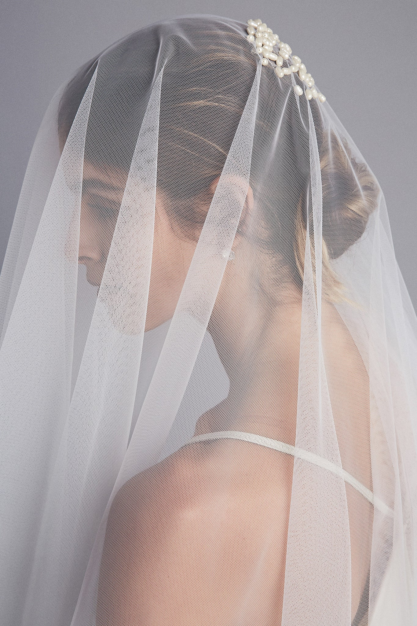 Circle Drop Embroidered Veil