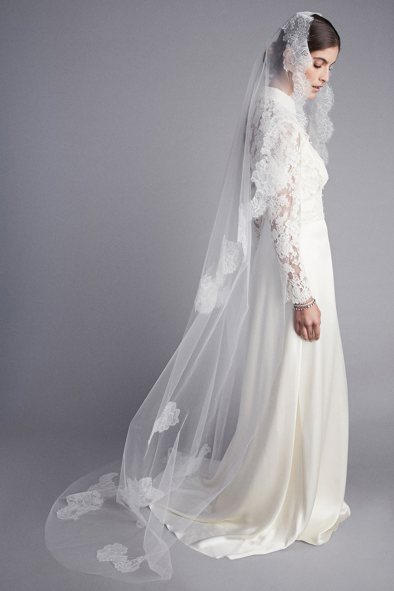 Lauren Mantilla Lace Veil
