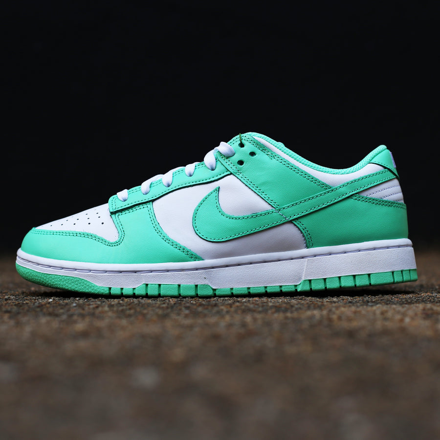 NIKE - Dunk Low Green Glow
