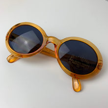 Load image into Gallery viewer, Satsuma 90s Sunglasses