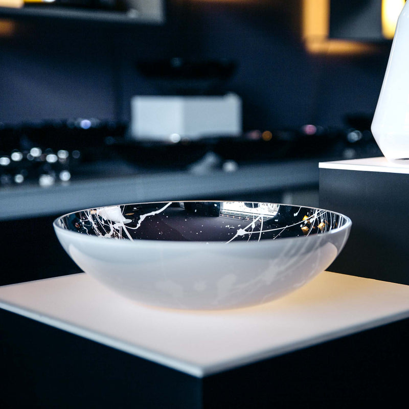 in-between flat bowl with splashes