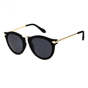 Pia Sunglasses in Gloss Black