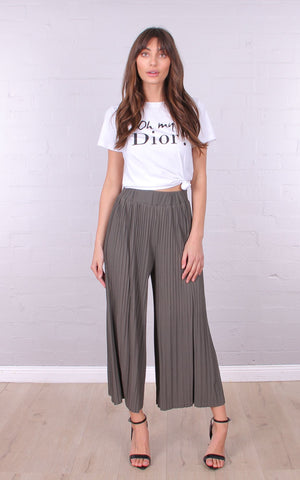 Tori Pleat Pant in Khaki