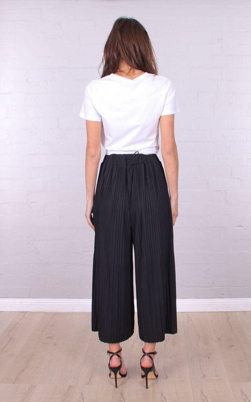 Tori Pleat Pant in Black
