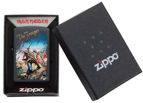 Zippo-aansteker zwart Iron Maiden Single Cover The Trooper in open doos