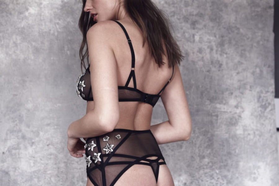 model-Satine-garter-bespoke-black-Taryn-Winters-Lingerie
