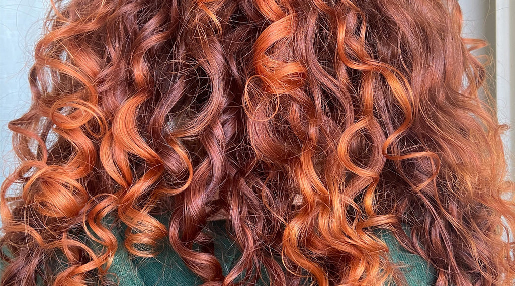 Frizz 101 How To Manage Frizzy Curly Hair Boucleme