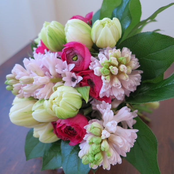 Flowers used: white tulips, pink ranunculus, pink hyacinths