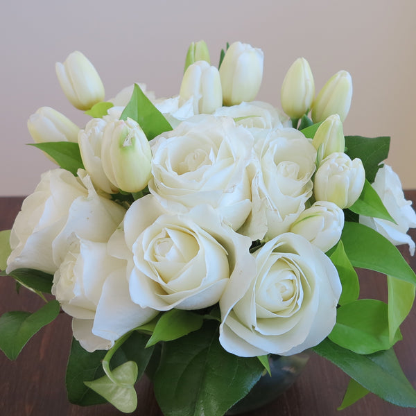 Flowers used: white tulips, white roses