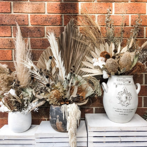 Contactless pick up dried flowers and gift boxes. Rowville, Melbourne