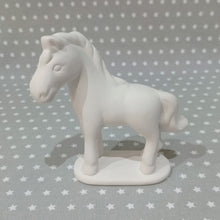 Load image into Gallery viewer, Medium Horse Figure