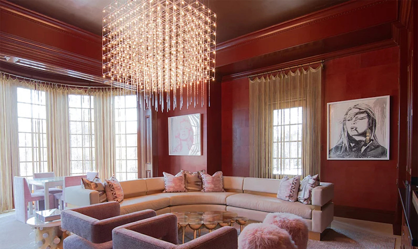 A pink sitting area/Photography: Richard Yaus/A deeply hued seating area designed by Gilles proves pink can be powerful.