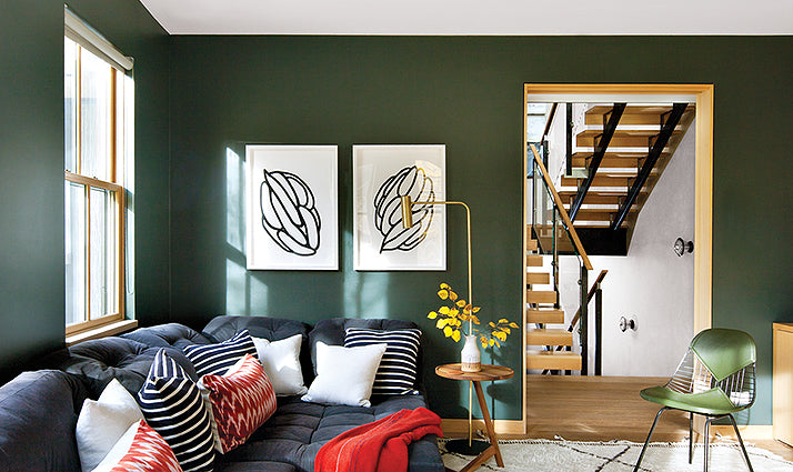 A green den/Photographer: Nick Johnson/Farrow & Ball's Studio Green appears in this modern Telluride, Colorado home designed by interior design firm Consort.