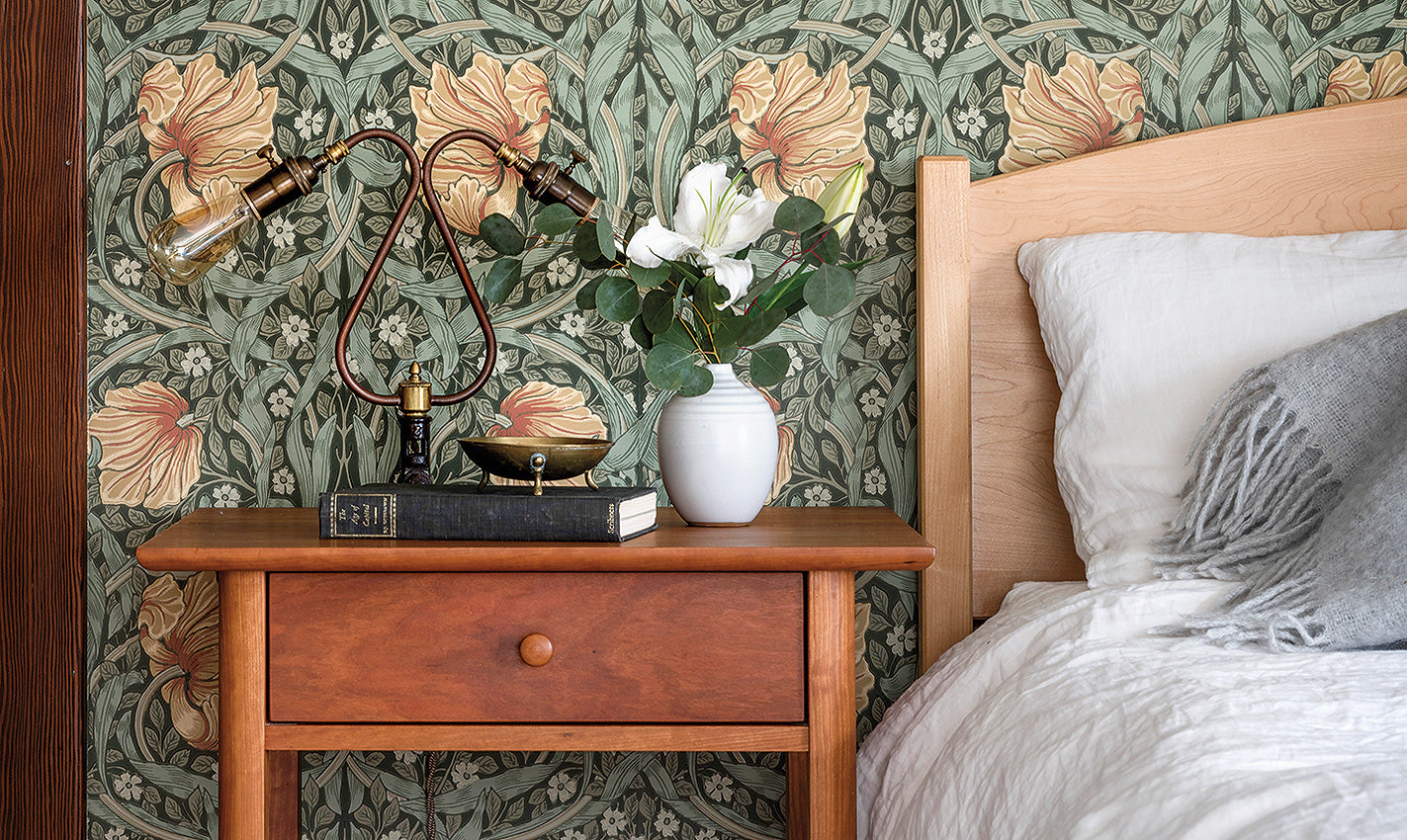 Accent wall in a green and pink floral pattern/Photographer: Aaron Leitz/A child's room designed by Anna Thomassen features an Art Nouveau accent wall.