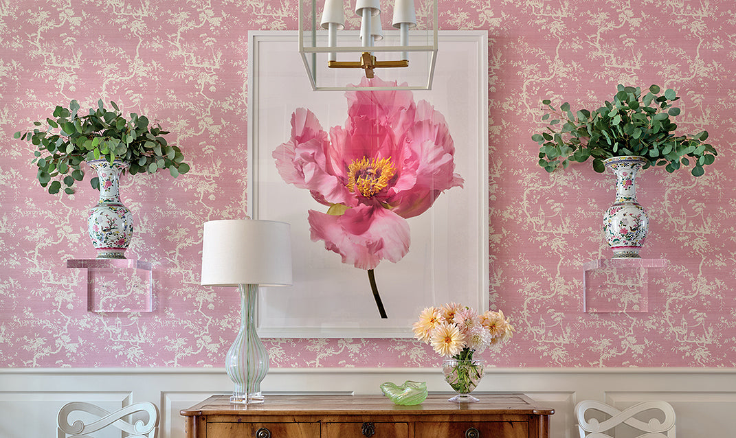 A pink interior/Photographer: J. Savage Gibson/A pretty-in-pink South Carolina home, designed by Kevin Walsh and William Lendermon of Bear Hill Interiors.