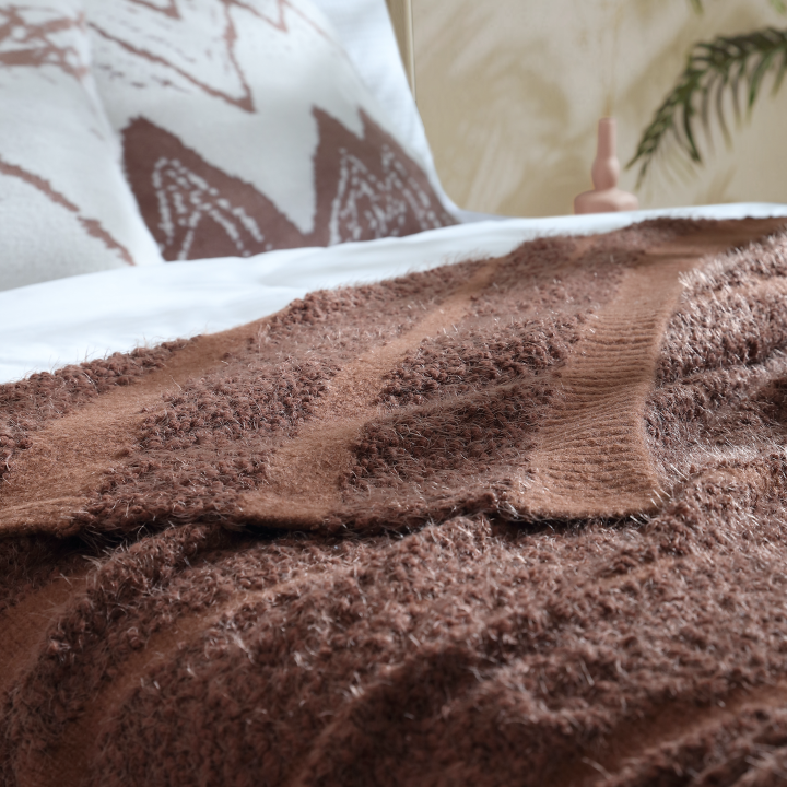 textured-knitted-air-feel-cozy-warm-throw-blanket