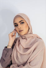 Load image into Gallery viewer, Premium Cotton Frayed Hijab