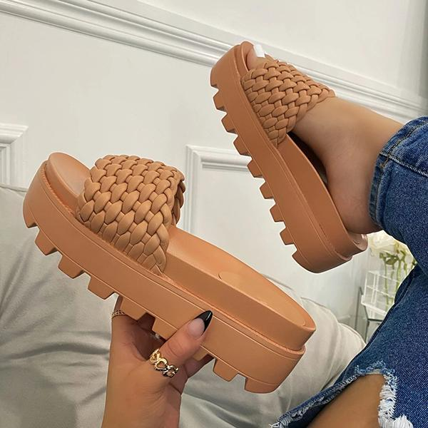 Trendy Platform Preparation Fashion Slippers