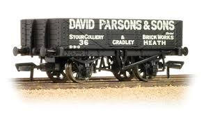 Bachmann 37-066 5 Plank Wagon David Parsons And Sons - OO Gauge