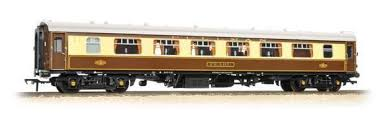 Bachmann 39-300C BR Mk1 SK Pullman 2nd Kitchen Umber/Cream Car 335 (Lit) - OO Gauge