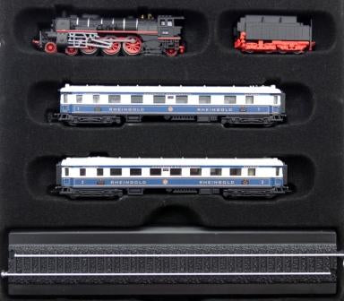 Atlas Editions Minitrains Rheingold Set (Diecast - includes 2 coaches) - 1/220 Scale / Z Gauge (DeAGOSTINI Static Model on a plastic display plinth)
