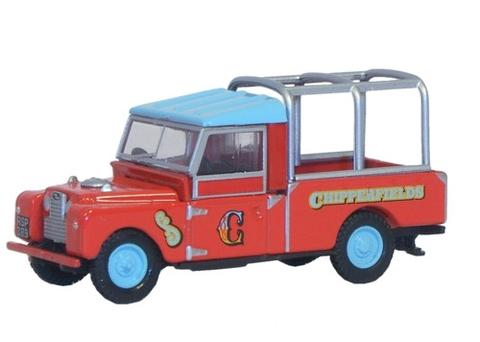 Oxford Diecast CH029 Chipperfields Land Rover Series 1 109 Frame - 1:76 Scale ** Only 1 in Stock. Pre-owned but original packing intact **