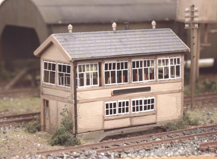 Ratio 223 GWR Wooden Signal Box Kit - N Scale