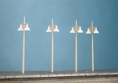 Ratio 454 SR Concrete Lamp Standards (Unpowered Kit) - OO / HO Scale