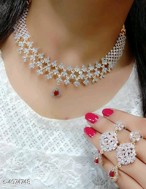 Stylish jewellery set American Diamond