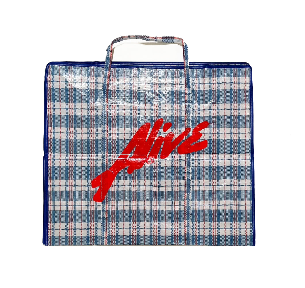 ALIVE MUST GO Laundry Bag - BLUE