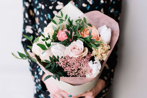 floral bouquet as a gift for mum