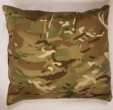 Load image into Gallery viewer, Bespoke Luxury 40cm x 40cm Cushion Parachute Regiment (PARA)