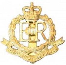Load image into Gallery viewer, Royal Military Police Cap Badge, E11R